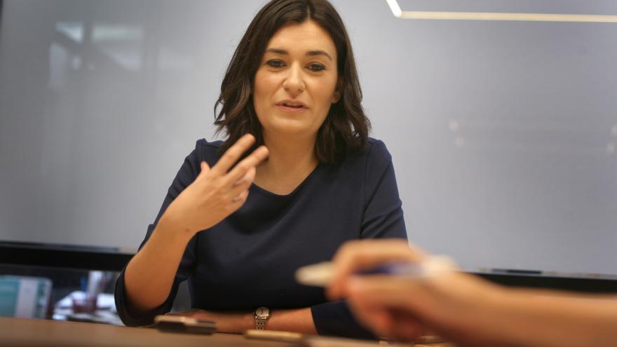 La ministra Carmen Montón durante la entrevista.