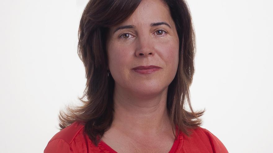 La portavoz parlamentaria de Políticas Sociales, Teresa Cruz Oval (PSOE)