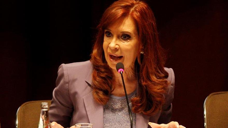Fernández llega al juzgado para declarar en una causa por la concesión de una obra pública