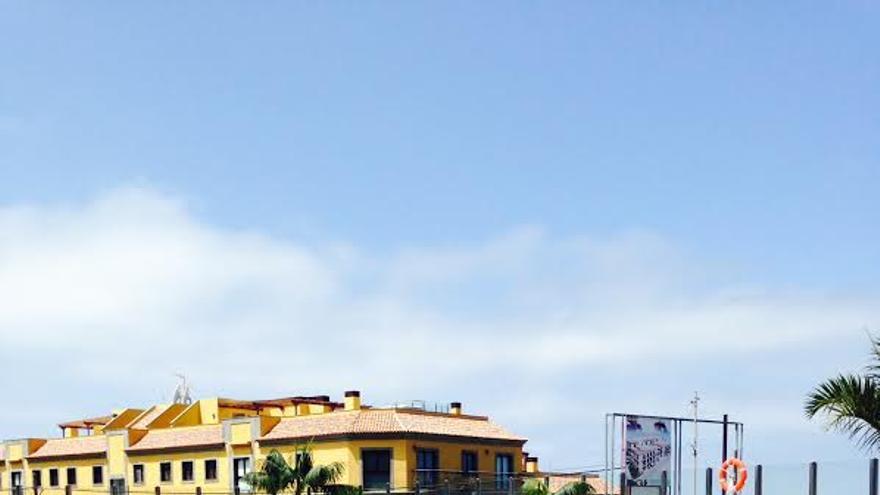 La villa y puerto de tazacorte reabre la piscina municipal for Piscina municipal puerto de la cruz