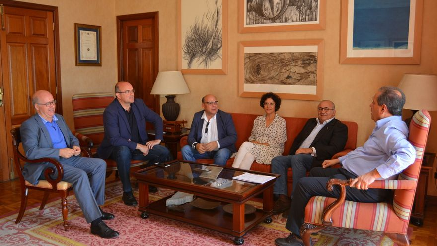 Reunión mantenida este martes en el Cabildo.