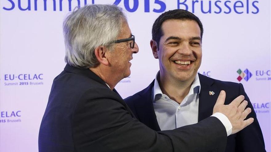 Juncker y Tsipras se reunirán hoy para analizar la situación griega