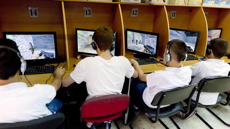 La CE pone en marcha el plan para ofrecer wifi gratis en lugares públicos