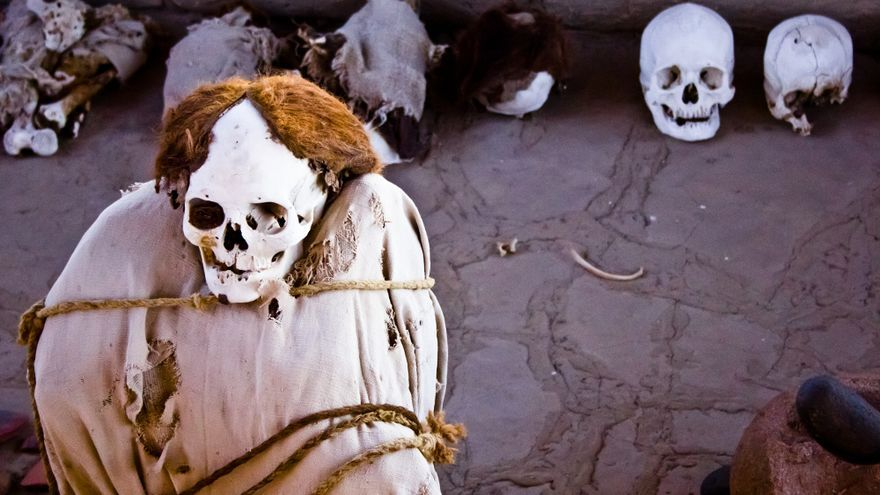 Momia nazca en el cementerio de Chauchilla.