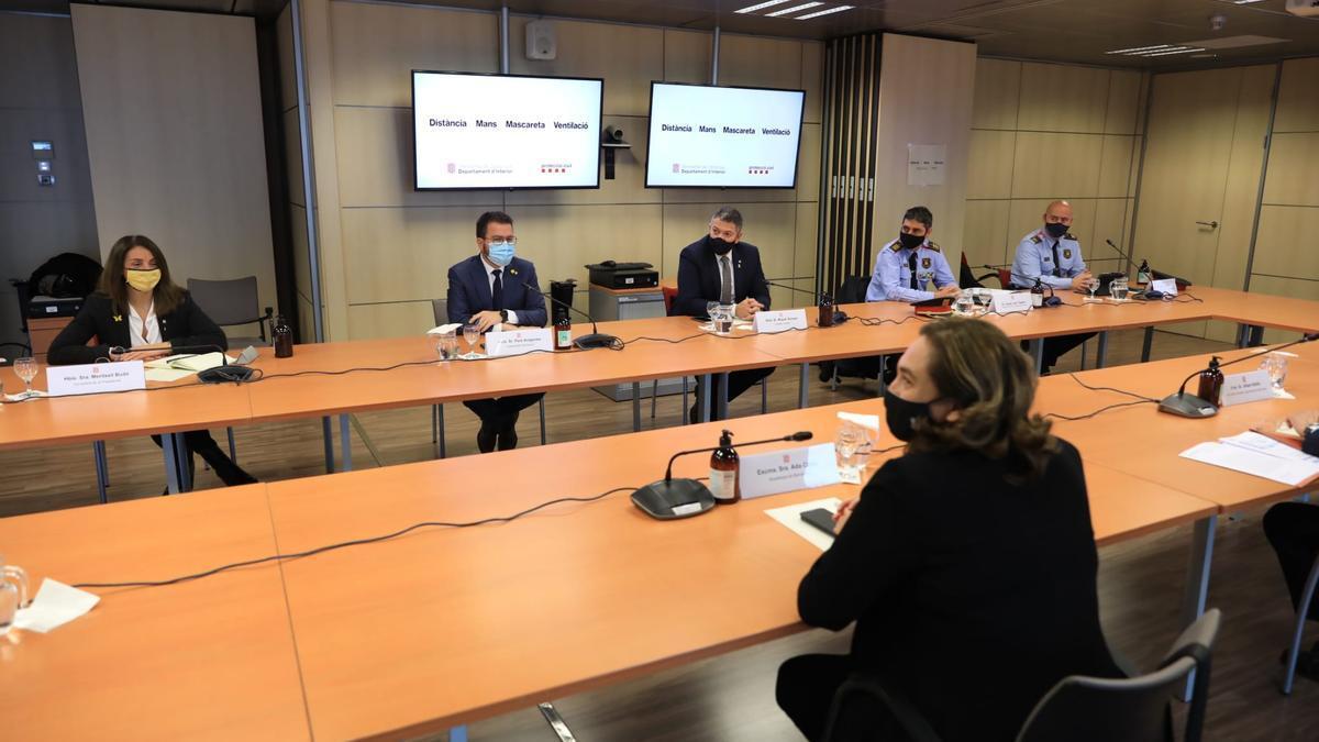 Reunión entre el Govern y el Ayuntamiento de Barcelona y sus respectivos mandos policiales