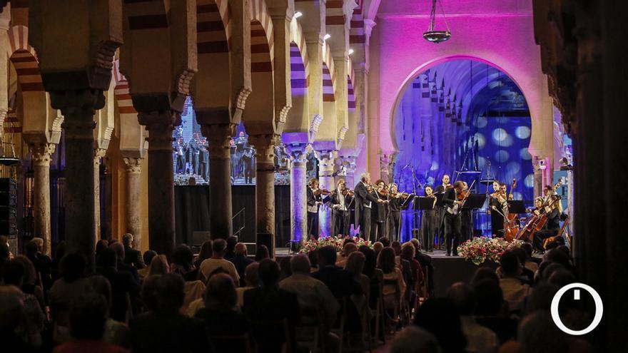 La Orquesta de Viena conjuga su música con las columnas de la Mezquita Catedral