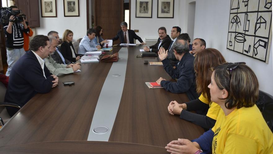 Reunión de la Comisión del Amianto a la que fueron invitados los vecinos