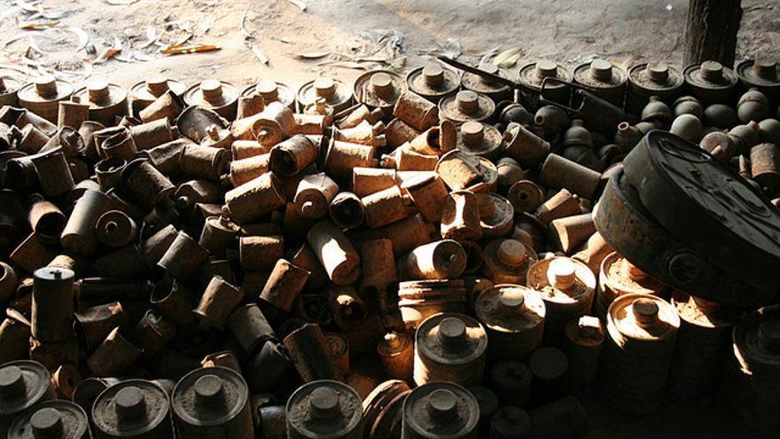 Minas antipersonas desactivadas en Camboya. /Fotografía: Neil Rickards