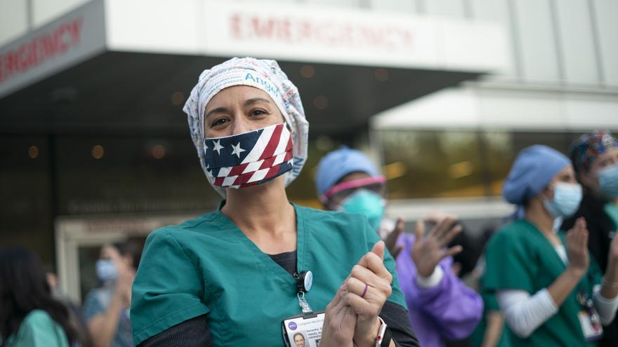 Los despidos semanales en EEUU bajan de 1,5 millones por primera vez durante la pandemia