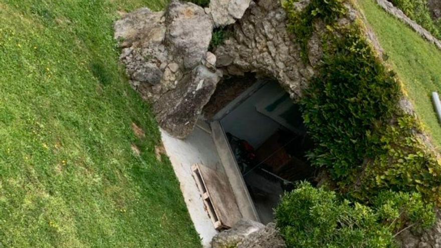 Foca muerta en el Palacio de La Magdalena de Santander. | @White0Visuals