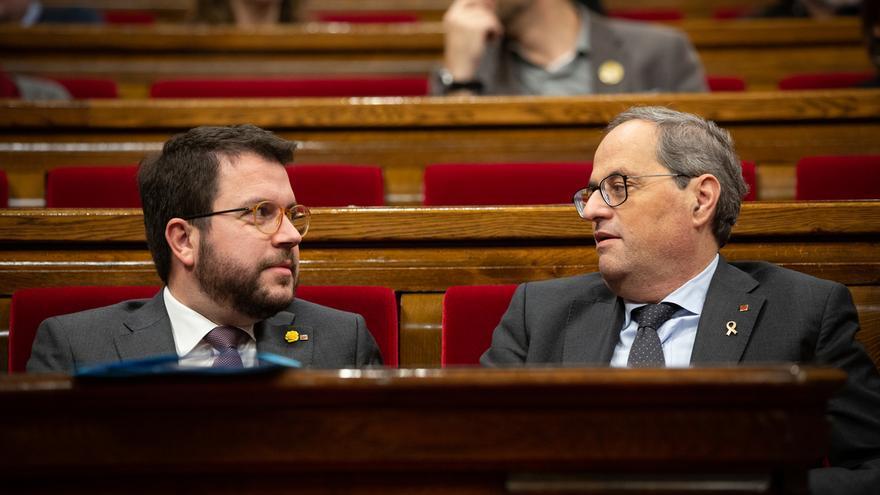Quim Torra y Pere Aragonès ocupan sus escaños en el Parlament
