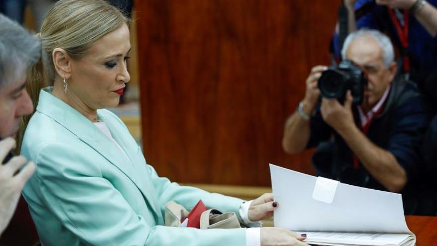 La presidenta de la Comunidad de Madrid, Cristina Cifuentes, durante un pleno de la Asamblea de Madrid