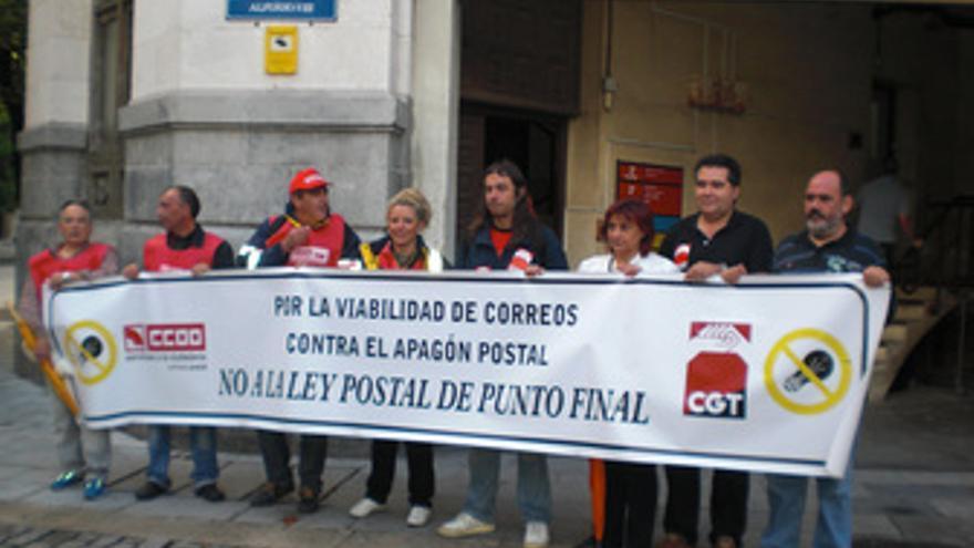 Trabajadores de Correos en Santander