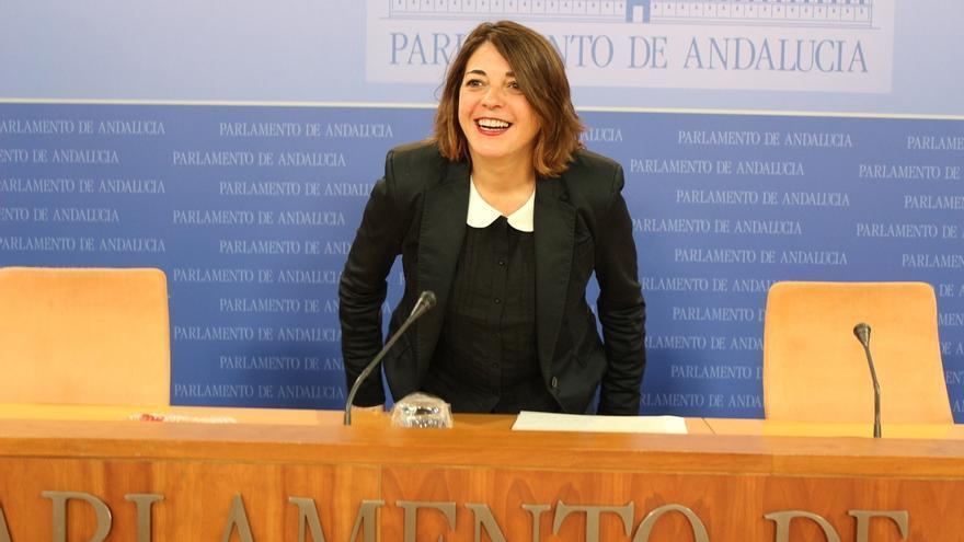 """Elena Cortés (IU) dice que """"de ninguna manera"""" se ve en Podemos"""