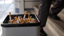 Sanidad estudia prohibir el tabaco en eventos al aire libre y vehículos con niños