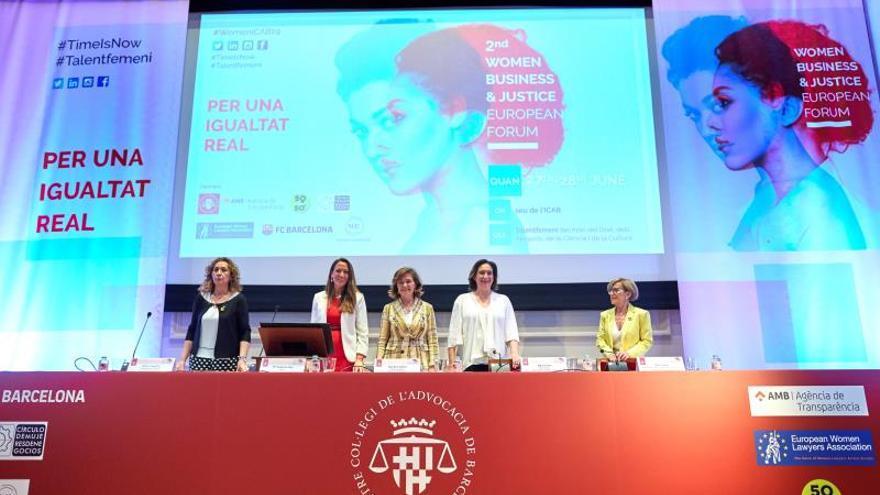 """Mujeres líderes claman contra la """"resistencia"""" masculina a """"ceder"""" el poder"""