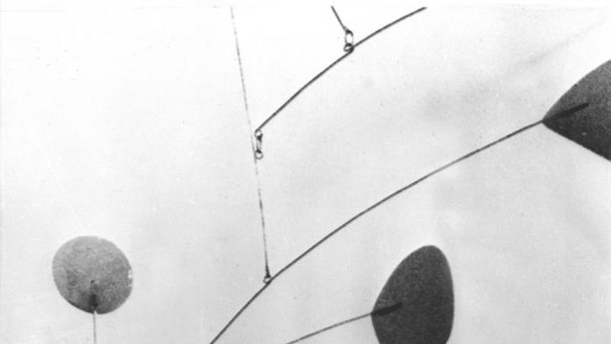 Subastan un móvil colgante de Alexander Calder por 2,8 millones en Christie's