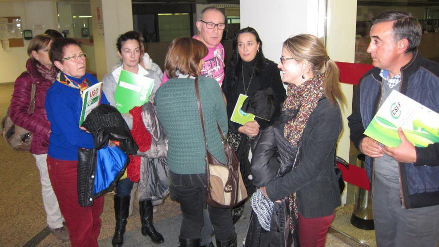 """Los empleados públicos de CyL esperan convocatoria """"urgente"""" de la negociación para la devolución de la extra"""
