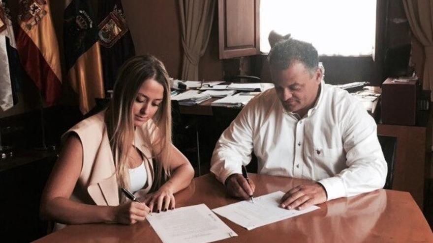 Teresa Berástegui y José Alberto Díaz firman el 'Compromiso por La Laguna 2015-2019)
