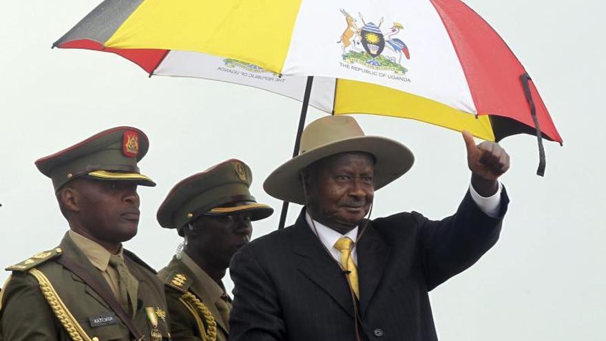 El presidente ugandés rechaza firmar una nueva ley contra la homosexualidad