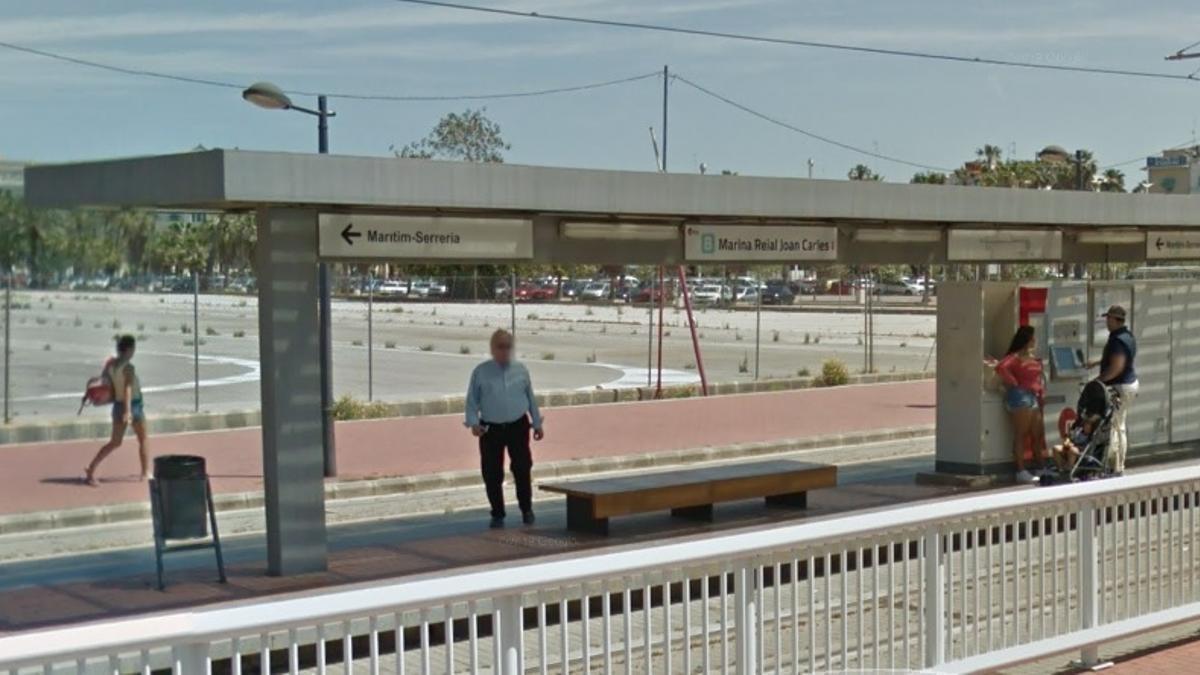 La parada Marina Reial Joan Carles I de la línia 8 de tramvia.