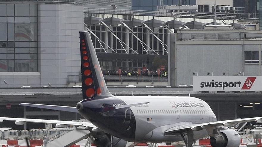 El aeropuerto de Bruselas reabrirá parcialmente 12 días después de los atentados