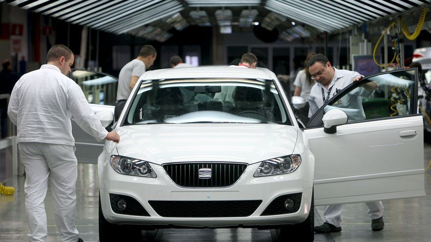 La AIE avisa de que el consumo de los vehículos podría reducirse un 30-50 por ciento para 2030
