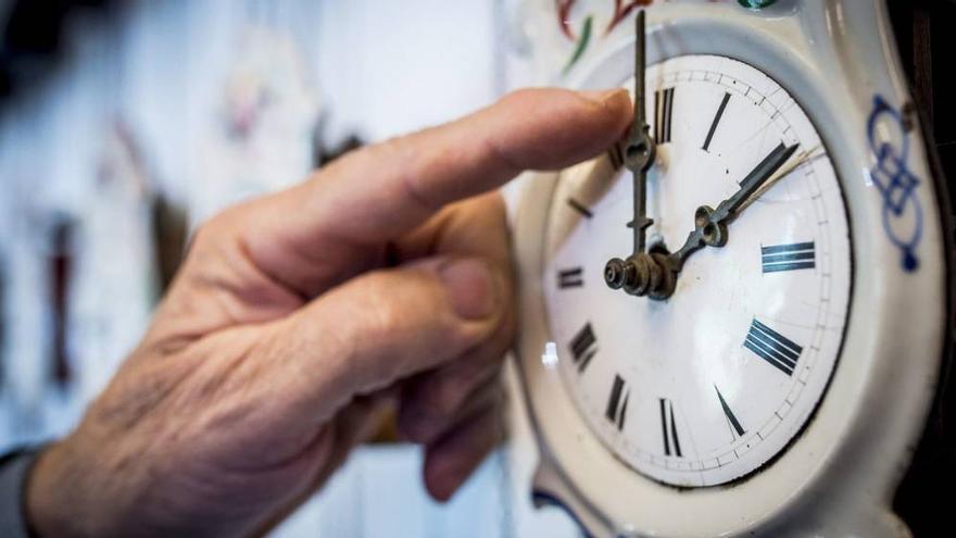 El cambio horario apenas ofrece beneficios y está asociado a algunos problemas de salud