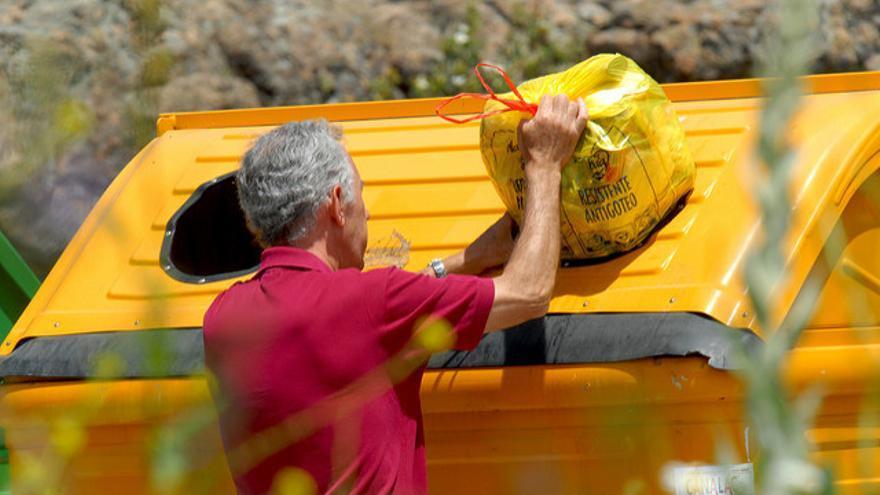 Contenedor amarillo de reciclaje. / Foto: Ecoembes
