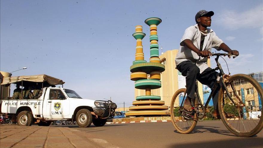 Michel Kafando es investido como presidente interino de Burkina Faso