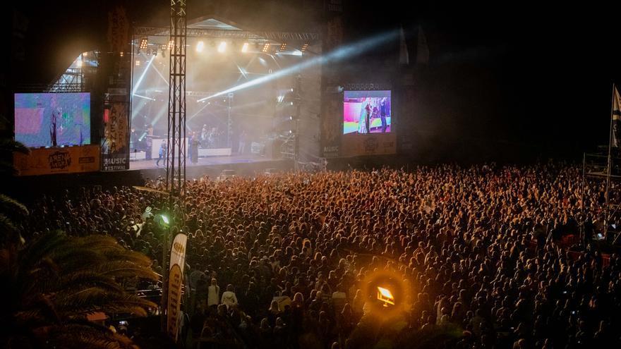 Actuación de Orishas en Fuerteventura.