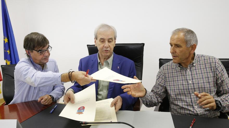 Firmado acuerdo que devolverá a empleados públicos de la mayoría de sectores del Gobierno la jornada de 35 horas