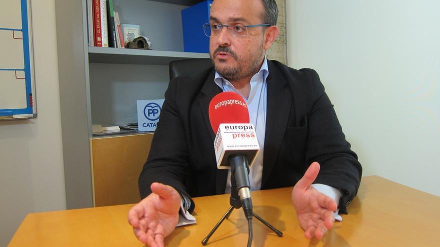 """Alejandro Fernández (PP): """"Un consejero que no defiende a Mossos no puede seguir en el cargo"""""""