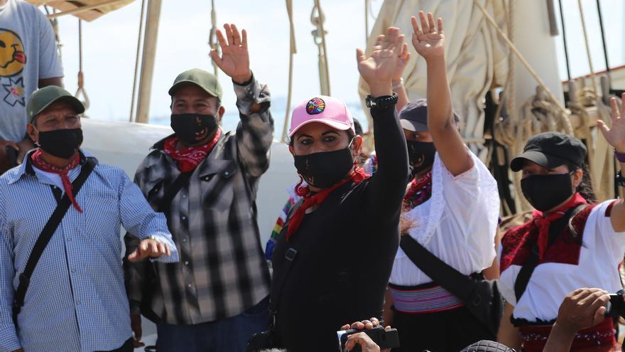 Delegación de zapatistas emprende una travesía marítima rumbo a Europa