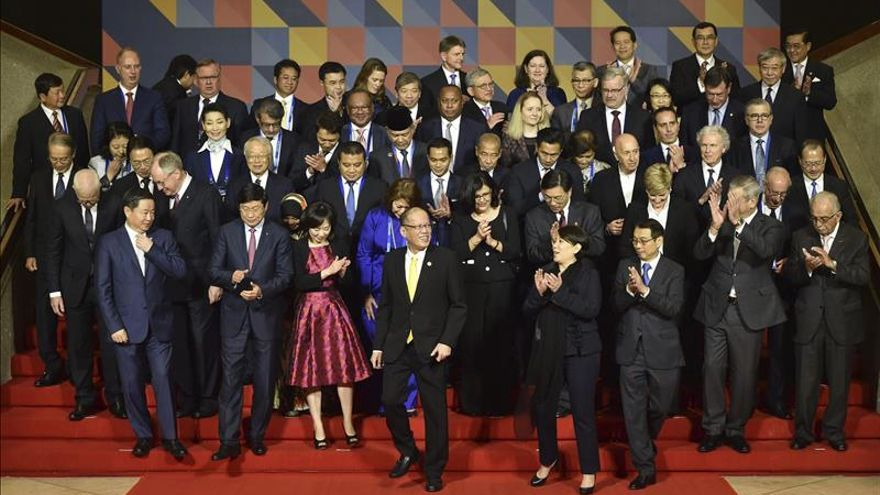 El presidente de Filipinas inaugura la 23 cumbre de la APEC