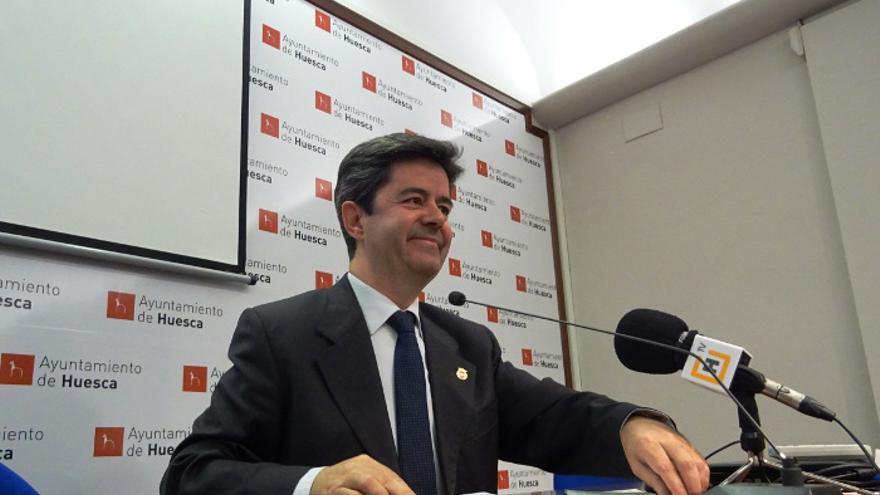 El alcalde de Huesca, Luis Felipe, en una reciente rueda de prensa