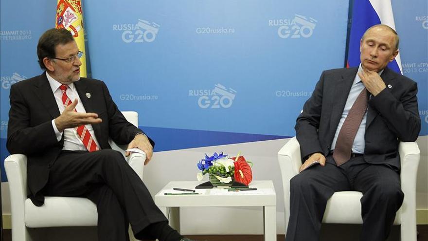 """Putin dice a Rajoy que España es un """"socio histórico y fiel"""" de Rusia"""