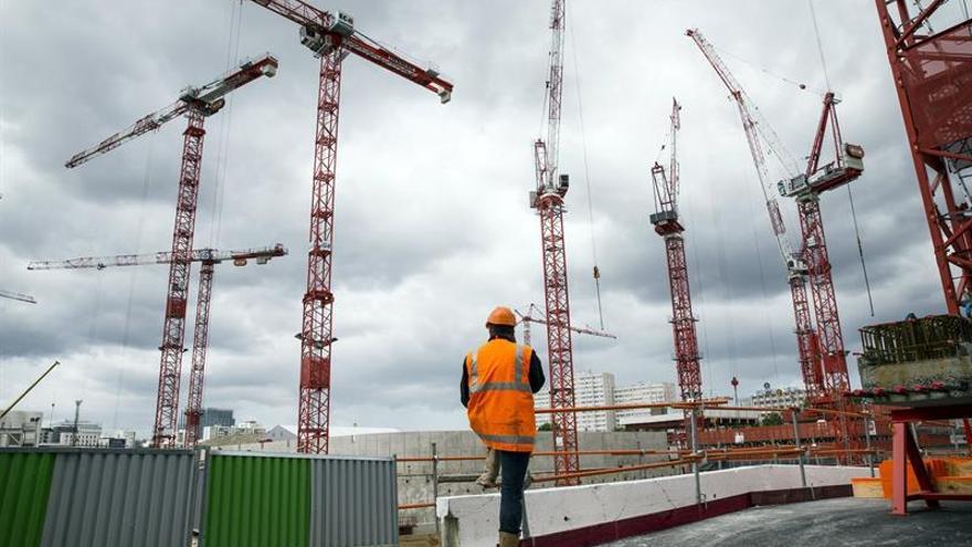 """La """"cláusula Molière"""" desafía a la UE al obligar a hablar francés a los albañiles de la construcción"""