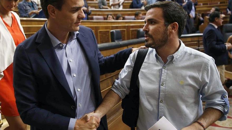 "Garzón ve ""un motín oligárquico"" contra Sánchez y culpa de ello a González"