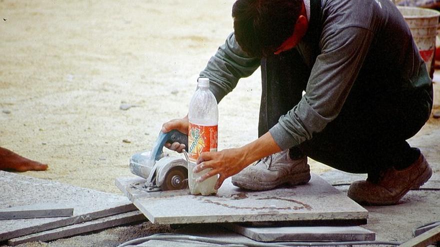 El 21,56 % de los extranjeros en Aragón están sin trabajo.