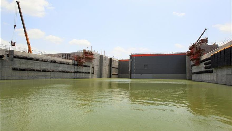 Obreros de ampliación del Canal de Panamá se unen mañana a huelga de 24 horas