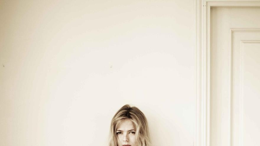 La artista madrileña Christina Rosenvinge presenta este sábado su nuevo álbum en Civivox Iturrama