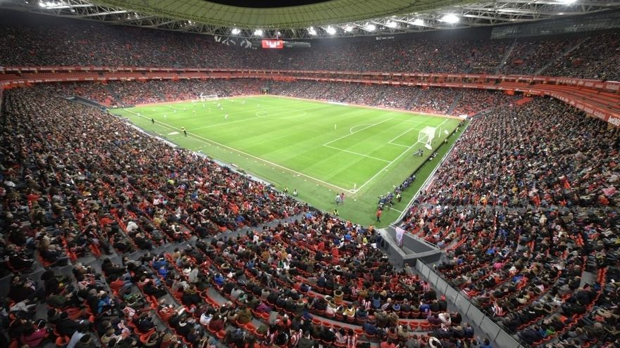 Aspecto del estadio de San Mamés en el partido entre el Athletic Club y el Atéltico de Madrid femeninos