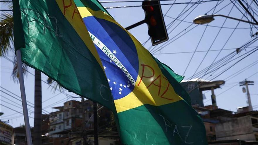 Jóvenes negros tienen 2,5 más posibilidades de morir violentamente en Brasil