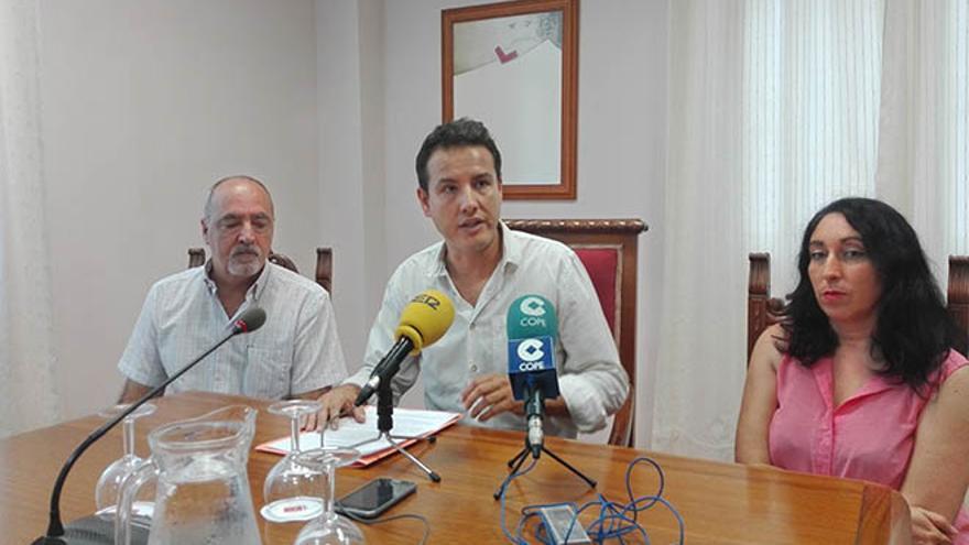 Podemos plantea a PSOE, Somos y grupo Mixto una moción de censura con Meca de presidente.