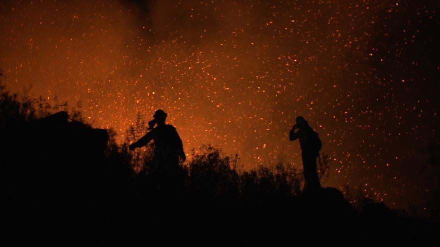 Extinción de incendios en Andalucía / 'La vida en llamas'