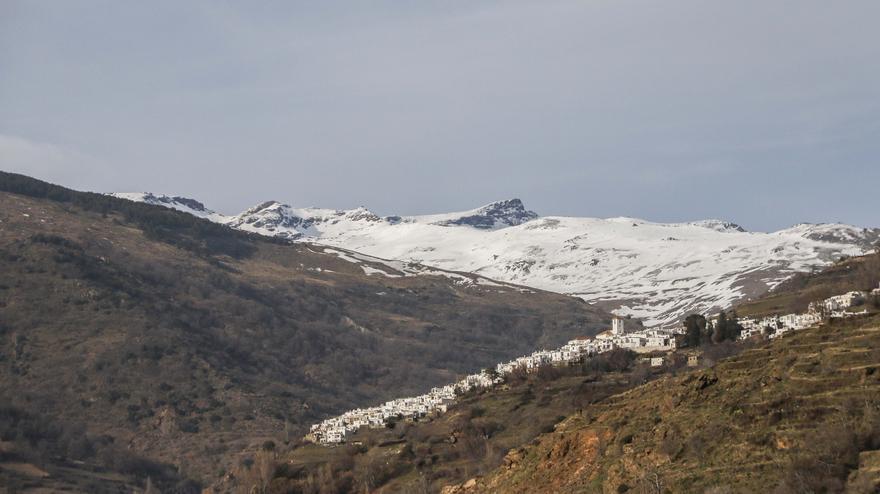 Capileira y Sierra Nevada.
