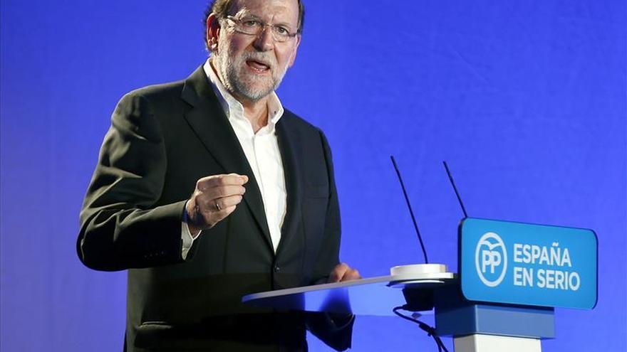 Rajoy coincidirá mañana por vez primera con Hollande tras los atentados de París