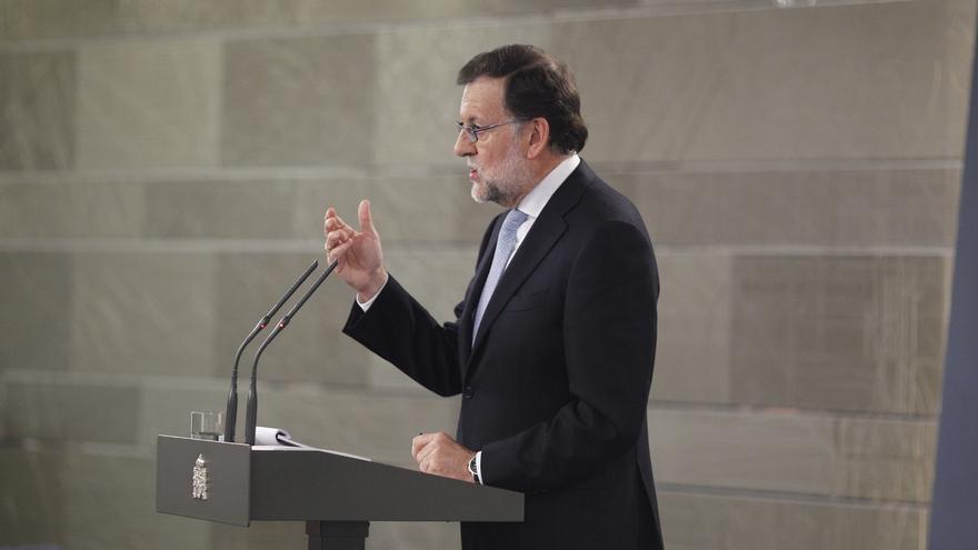 """Rajoy tacha de """"espectáculo lamentable"""" la situación de Cataluña y dice que un Gobierno con la CUP sería """"un desastre"""""""