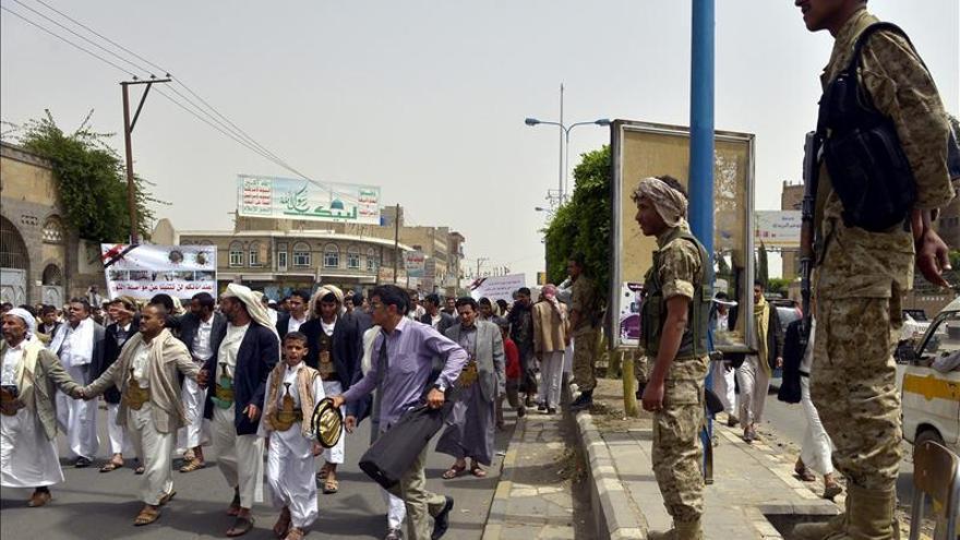 Alto el fuego entre chiíes y salafistas en Yemen tras choques con 40 muertos